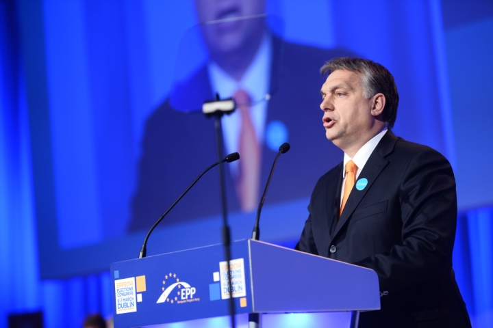 Viktor Orbán speaking for the EPP in 2014.